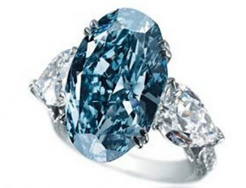 blue-diamond-ring-by-chopard