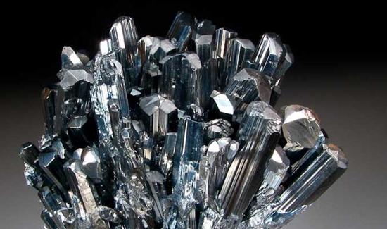 Untuk Para Kolektor Batu Akik, Waspadai 10 Batu Indah Beracun Ini
